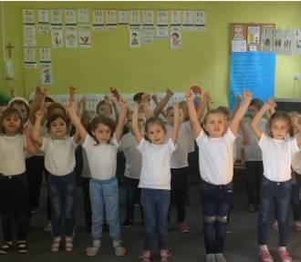 Zainicjowali akcję #MacarenaChallenge. Zbierają pieniądze dla Kacpra Praczyka