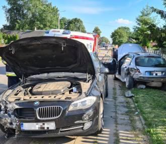 Kierowca BMW wyprzedzał kolumnę aut. W tym czasie peugeot zaczął skręcać w lewo. Efekt był opłakany