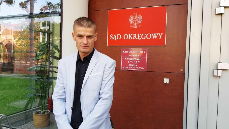 Składanie zeznań bardzo wiele mnie kosztuje, jestem na tabletkach uspokajających - mówił Tomasz Komenda przed sądem w Opolu