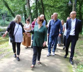 Park w Wojanowie oceniała komisja konkursowa. Zobaczcie zdjęcia z wizytacji!