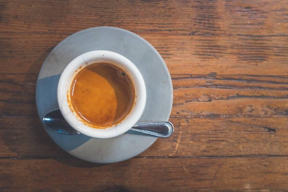 Pij kawę (lub herbatę)