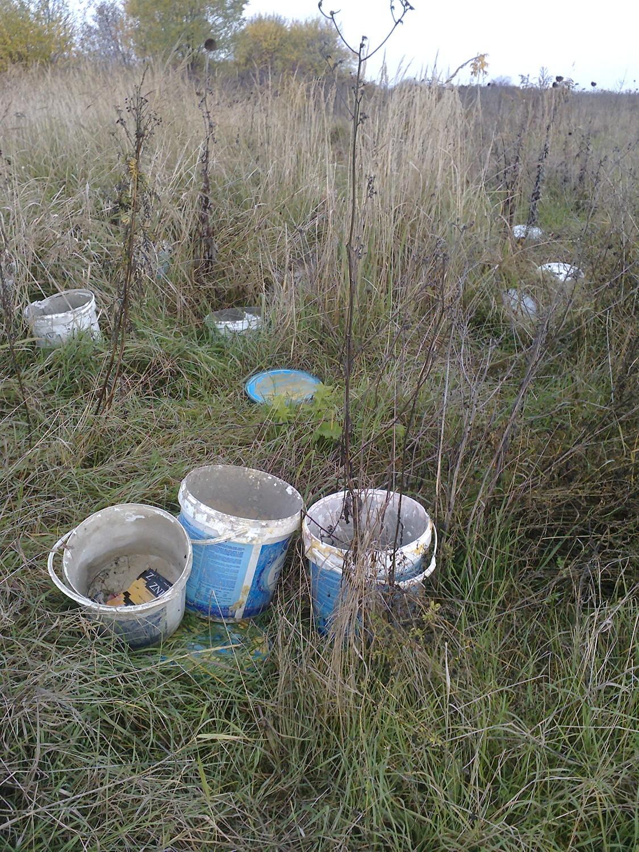 Takie wysypiska śmieci można znaleźć w Ząbkowicach