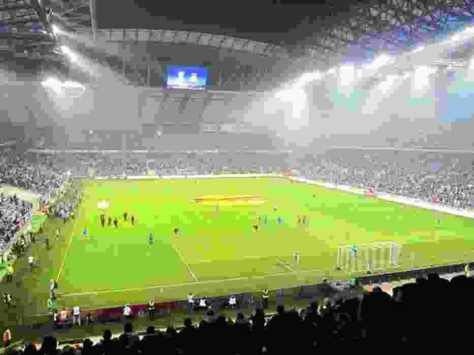 Stadion Lecha mieści 43 tysiące kibiców