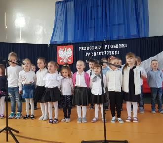 Nowy Staw. Uczniowie Szkoły Podstawowej nr 2 też uczcili Narodowe Święto Niepodległości