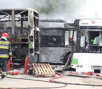 Bilans pożaru w bazie PKS w Szczecinie. Ile spłonęło autobusów? Będą problemy w komunikacji miejskiej?
