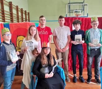 Narodowe Czytanie 2020 w SP nr 11 w Inowrocławiu