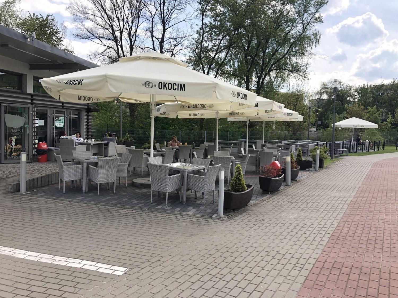 Ogródki przy lokalach otwarte w Jędrzejowie, ale tłumów nie było FOTO