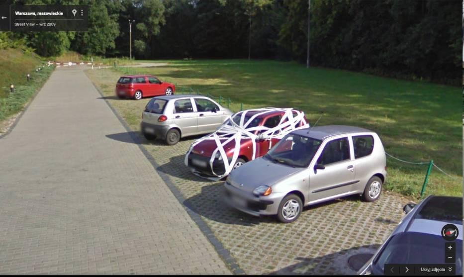 Najlepsze zdjęcia z Google Street View. Kamera widziała ciut za dużo [ZDJĘCIA]
