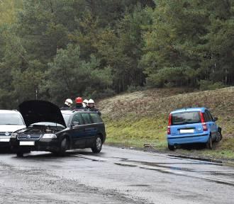 Zderzenie trzech samochodów na drodze wojewódzkiej nr 308 [ZDJĘCIA]