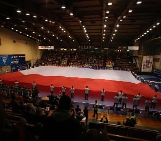 Ogromna flaga na meczu piłki ręcznej NMC Górnik Zabrze - Azoty ZDJĘCIA