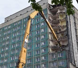 Ruszyła spektakularna rozbiórka hotelu Silesia w Katowicach ZDJĘCIA