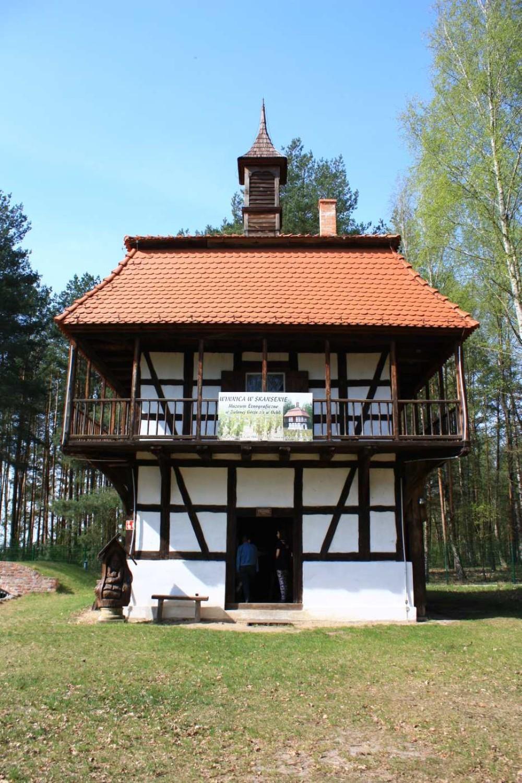 Muzeum Etnograficzne w Zielonej Górze Ochli ponownie otwarte dla zwiedzających! Zobaczcie, jak pięknie zrobiło się tam na wiosnę