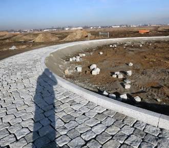 Powstaje nowa droga w Legnicy, widać już rondo
