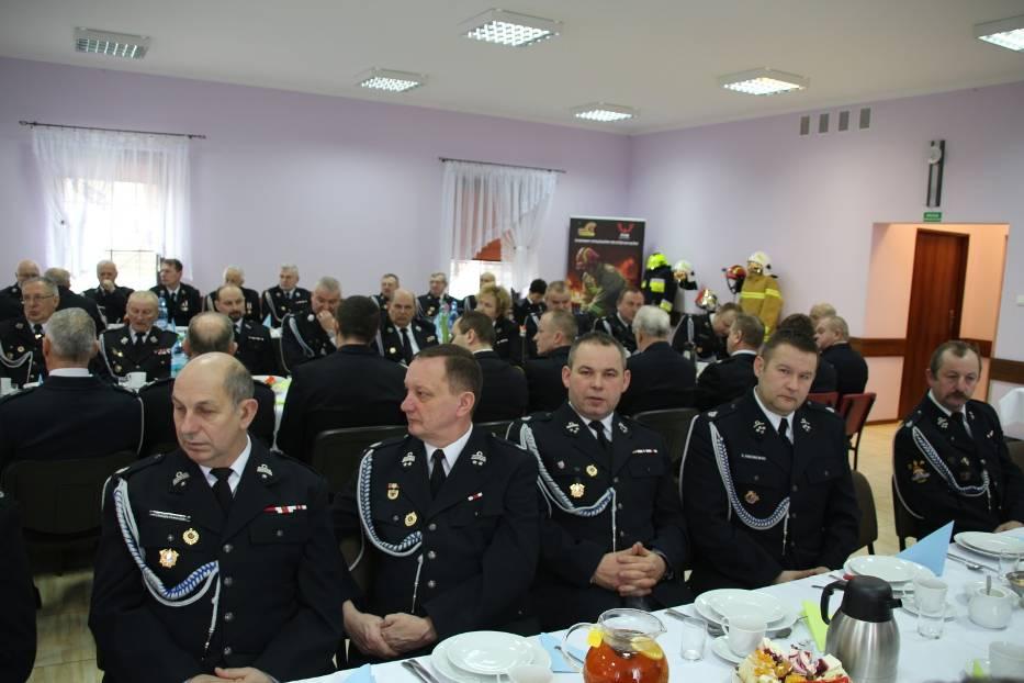 Strażacy ochotnicy spotkali się na dorocznej naradzie. Odwiedził ich też biskup Edward Janiak