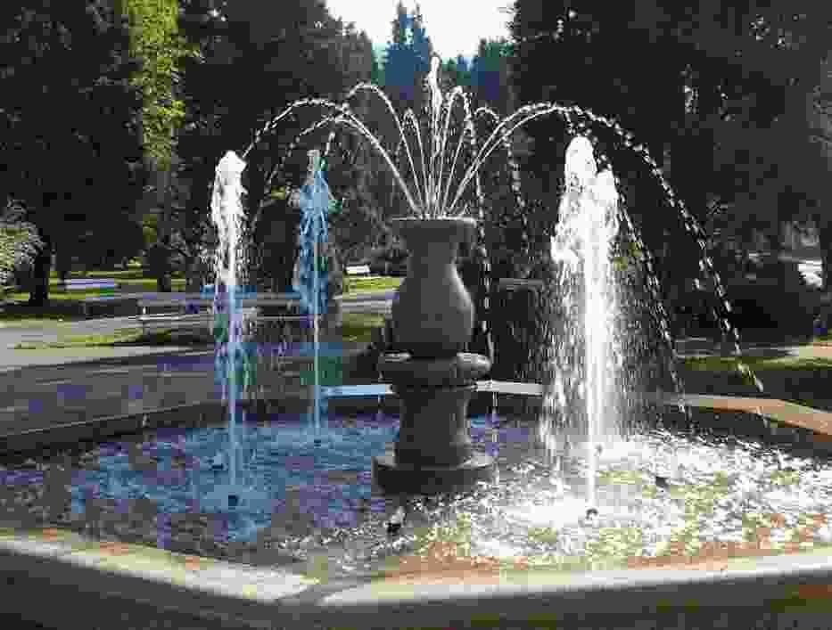 Kąpiesz się w fontannach? Bakterie i wirusy tylko na to czekają!
