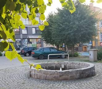 Syców: Miała być podświetlana fontanna i naprawiony parking