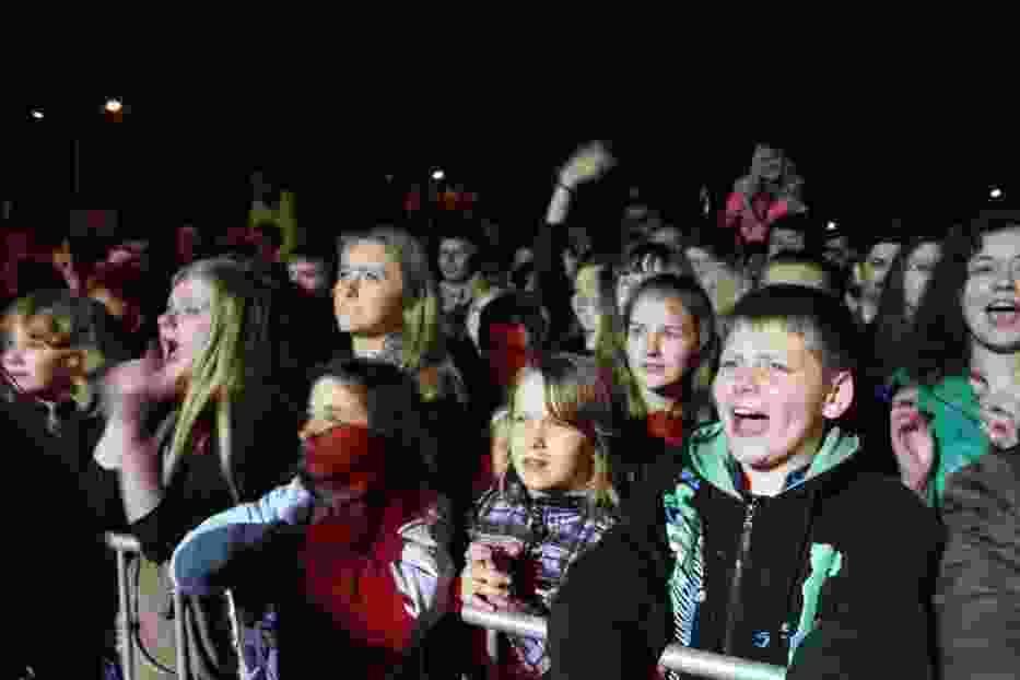 Publiczność świetnie się bawiła przy skocznej muzyce zespołu Enej