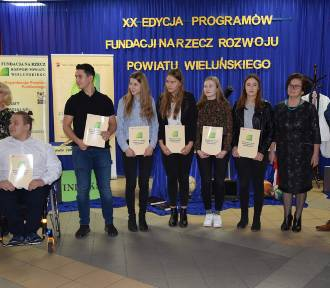 Mniej pieniędzy na stypendia dla uzdolnionej młodzieży. Fundacja na Rzecz Rozwoju Powiatu Wieluńskiego