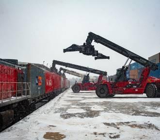 Dwa pociągi z Chin pełne sprzętu medycznego przyjechały do Polski
