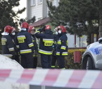 Głogów: Wybuch w bloku przy ulicy Oriona! 51-letni mężczyzna stracił dłoń. ZDJĘCIA, FILM