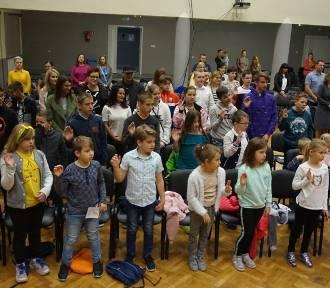 Uniwersytet Dziecięcy WSH w Jastrzębiu wystartował. Młodzi studenci na zajęciach [ZDJĘCIA]