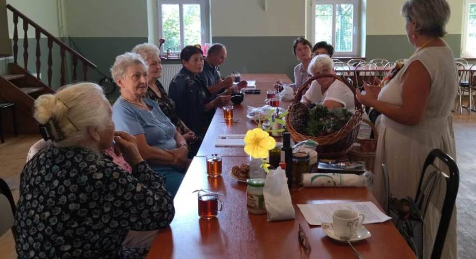 Kłodzcy seniorzy poznali dobroczynne działanie ziół
