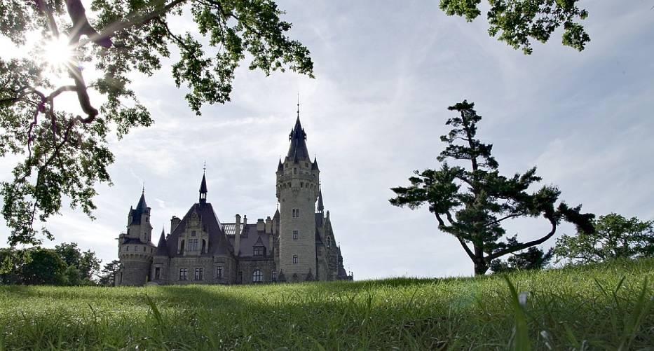 1. Zamek w Mosznej