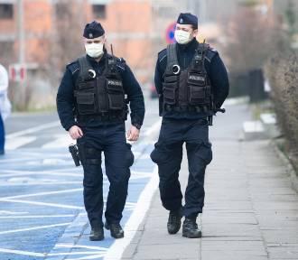 Policjanci sprawdzą, ilu pasażerów jest w tramwaju i autobusie