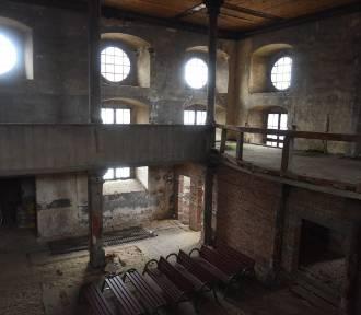Nieczynny kościół niszczeje. Perła z pięknym wnętrzem!