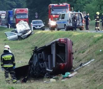 Śmiertelny wypadek pod Nowym Tomyślem. Kierowca Renaulta był pijany! Tuż przed wypadkiem nie