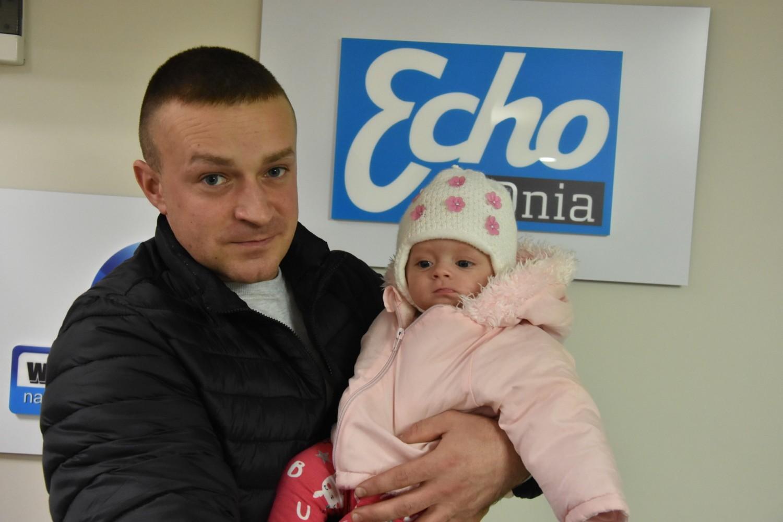 Wojciech Sitek z córeczka Lenką w redakcji Echa Dnia