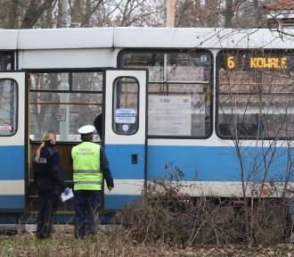 Zwłoki mężczyzny znalezione w tramwaju we Wrocławiu (SZCZEGÓŁY)