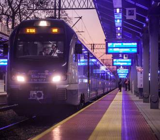 Opóźnienie pociągu? Dowiesz się o tym z maila lub SMS-a. PKP testuje nową usługę powiadamiania