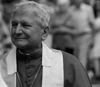 Zmarł biskup senior diecezji kaliskiej Edward Janiak. Miał 69 lat