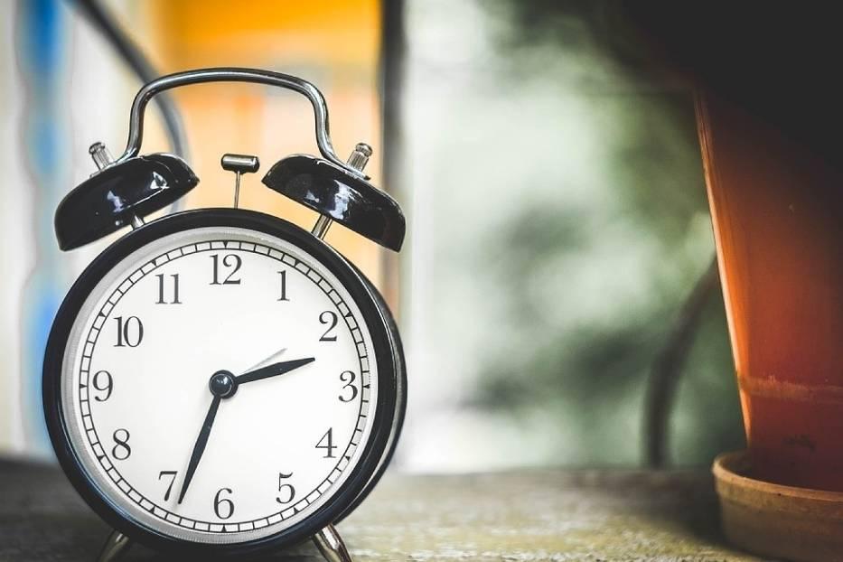 Zmiana czasu na zimowy 2019. Kiedy przestawiamy zegarki?