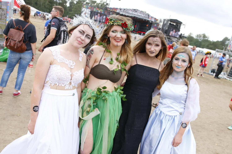 Pol'and'Rock 2019, dawny Woodstock. Najciekawsze przebrania podczas 25. imprezy w Kostrzynie nad Odrą [ZDJĘCIA]