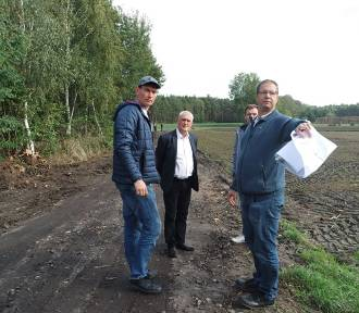 Trwa przebudowa drogi w Nowej Kaźmierce. Koszt inwestycji to 570 tys.