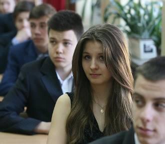 Egzamin gimnazjalny: WOS, historia [ARKUSZE]