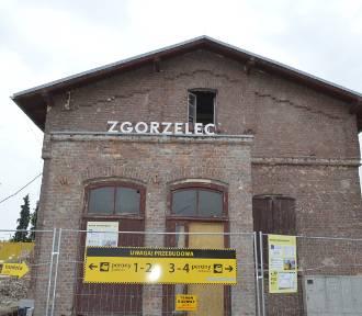 Trwają prace modernizacyjnej na stacji Zgorzelec Ujazd. Zobacz jak obecnie wygląda [ZDJĘCIA/FILM]