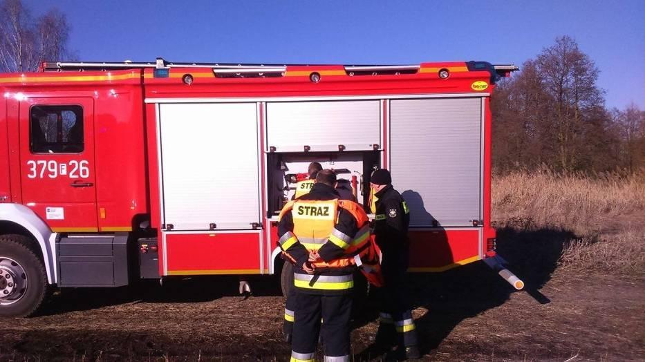 Zwłoki wykuli z lodu strażacy