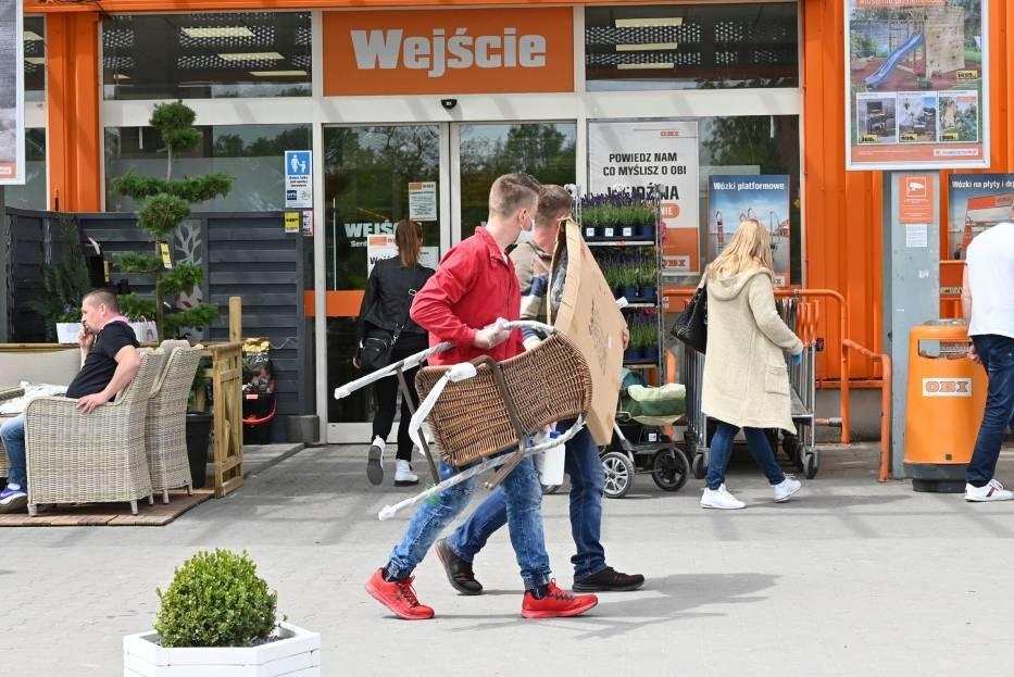 W sobotę, 23 maja, wybraliśmy się do marketów Obi przy ulicy Radomskiej i Zagnańskiej, do Castoramy przy ulicy Ściegiennego oraz marketu Mrówka i Bricomarche na kieleckich Ślichowicach
