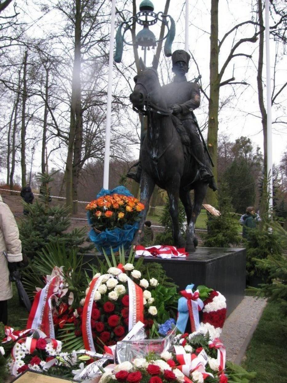 Pomnik Tatara polskiego zaprojektowany przez prof
