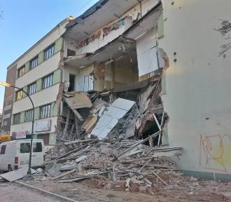Pękające ściany zapowiadały katastrofę budowlaną na Sienkiewicza