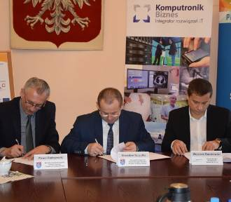 Podpisano umowę na rozbudowę szpitala w Krotoszynie [ZDJĘCIA]