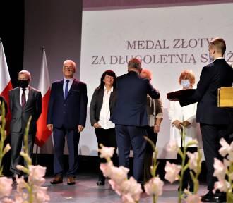 Wojewódzka uroczystość Dnia Edukacji Narodowej w Brzeskim Centrum Kultury [ZDJĘCIA]