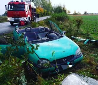 Po zderzeniu Opel wygląda, jak zabawka. Jedna osoba wymagała pilnej pomocy