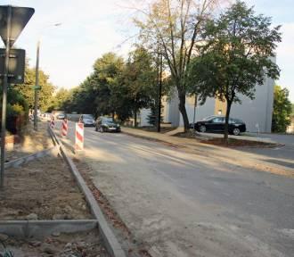 Trwa przebudowa ulicy Gębika. Nowa nawierzchnia, chodniki i miejsca parkingowe