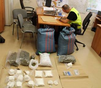 Tomaszowscy kryminalni rozbili narkotykowy biznes [FOTO]