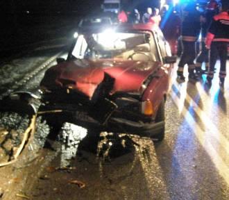 """Wypadek na DK 22 w Gnojewie [ZDJĘCIA], """"zakopana"""" karetka pogotowia i niewielkie skutki silnego"""