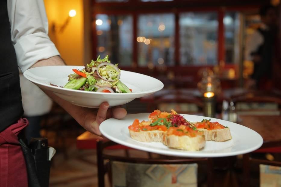 9. Restauracje i hotele